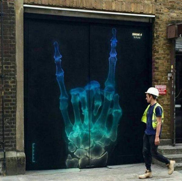 Die besten 100 Bilder in der Kategorie graffiti: Mano cornuta, Satansgruß, Metalhand, vulgäre Geste, gehörnten Hand, grafitti