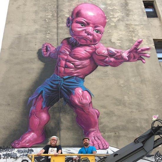 Die besten 100 Bilder in der Kategorie graffiti: Baby Hulk, Muskeln, Grafitti, Hauswand