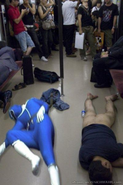 nackt betrunken madchen schlaft nackt