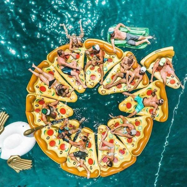Pizza, air mattresses, bath island, bathing fun