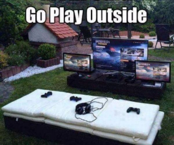 Gaming, outside, openair