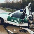 Die besten Bilder in der Kategorie shit_happens: kurzes Polizeiauto