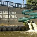 Die besten Bilder in der Kategorie strassenmalerei: A clean river is a fun river.