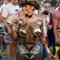 The Best Pics:  Position 79 in  - Funny  : Leopard Bodypainting mit Kette