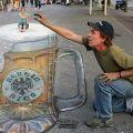 Die besten Bilder in der Kategorie strassenmalerei: Riesen Bier - Straßenmalerei Kunst in 3D