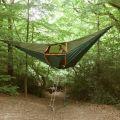 Die besten Bilder in der Kategorie clever: Swinging Hanging Tent