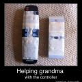 Die besten Bilder in der Kategorie clever: Helping Grandma with the Controller