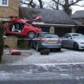 Die besten Bilder in der Kategorie Vote: Thats not a Drive In - Car stucks in House