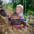 Die besten Bilder in der Kategorie Vote: Child with cat