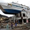 Die besten Bilder in der Kategorie Vote: ship, Tsunami, flood, roof